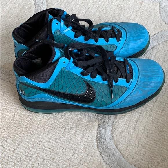 sports shoes 4fd74 d7803 Select Size to Continue. M 5c3e5a4134a4ef70a7a089e1
